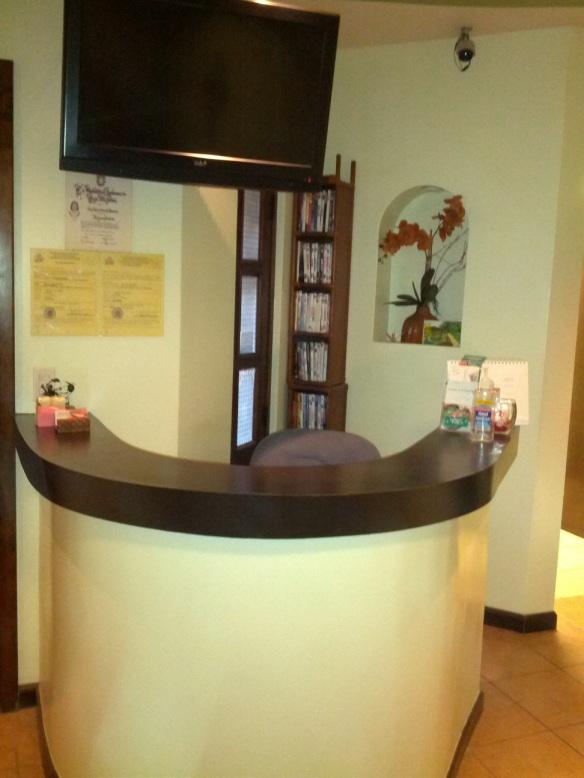 Dr. Eva's Reception Desk